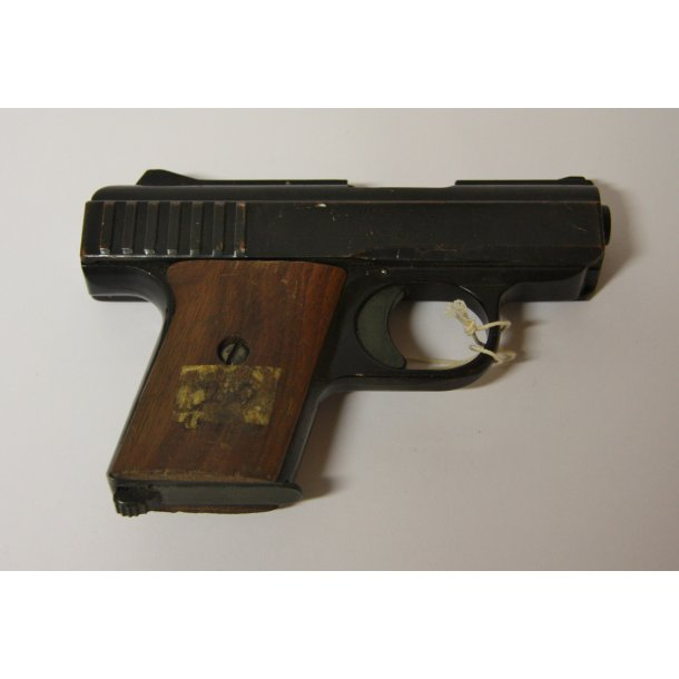 Raven M/25 pistol